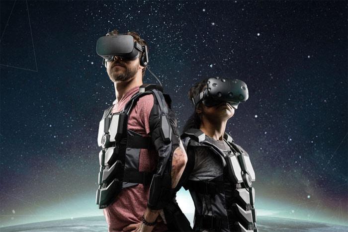 VR-Vest Hardlight Provides the Virtual Reality Feeling